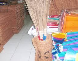 Hasil gambar untuk alat kebersihan tempat sampah