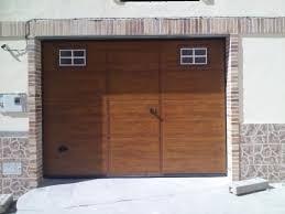 Coche Golpea La Puerta Del Garaje Puertas De Cocheras Automaticas Precios