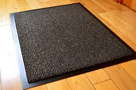 fabulous washable rugs skid hervorragend rubber backed kitchen floor mats non slip area on hardwood floors and with backing jpg what to put under furniture