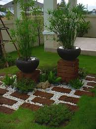Small Picture 13 ideas con ladrillos para el jardn Small garden design Small