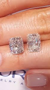 Rectangular Diamond Face Off Elongated Cushion Vs Radiant