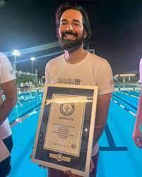 أحمد حاتم يدخل موسوعة جينيس للأرقام القياسية ببطولة سباحة سيدتي