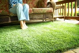 kind outdoor artificial turf green grass rug carpet