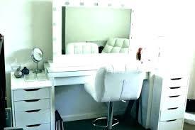 Bedroom Vanity Table Vanity Tables With Lighted Mirror Bedroom ...