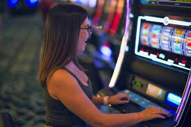 Woman wins record $3.8M on a slot machine at Florida casino: Jackpot -  Andover Leader