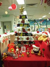 office christmas themes. Fancy Office Christmas Decoration Creatively Arrange Tree With Lovely Festival Accessories Cubicle Decorating Themes