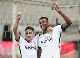 Corinthians faz 5 a 0 no Fluminense e segue na briga pela Libertadores