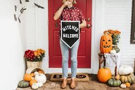 Welcome All the Witches This Halloween with this Banner DIY