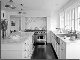 White Kitchen Cabinets With Black Quartz Countertops