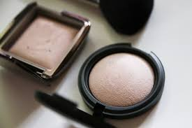 models prefer mineral powder soft touch powder in photo ready and hourglass ambient lighting powder in