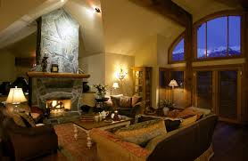 Gorgeious Living Room with Fireplace