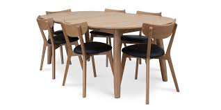the enza oval dining table in oak from hunter furniture