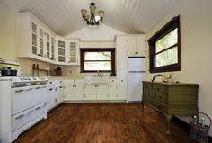 Es verleiht räumen persönlichkeit und steht für wohnkomfort mit stil. 7 Vinyl Flooring In Kitchen Ideas Kitchen Comfortable Kitchen Kitchen Design
