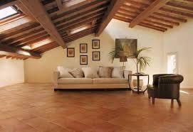 Soffitto In Legno Grigio : Colori pareti per pavimento in cotto foto design mag