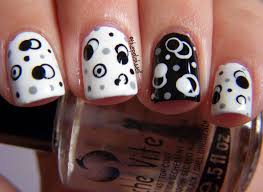 46 Wonderful Polka Dot Nail In Black & White Art Design   Picsmine