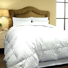 duvet vs comforter difference bedding between and down alternative hotel grand thread count oversized all season