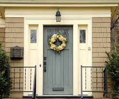 How to Create Winter Curb Appeal for Winter Buyers