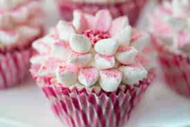 The Easy Way To Decorate Beautiful Cupcakes The Café Sucre Farine