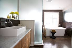 traditional bathroom lighting ideas white free standin. Astonishing Decorating Design For Your Brown And White Bathroom Ideas : Outstanding Free Standing Soaking Bathtub Traditional Lighting Standin O