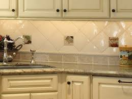 Back to: Kitchen Backsplash Ideas for Small Kitchens