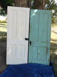 Old Door Decorating Making A Vintage Door Headboard And Decorating A Bedroom