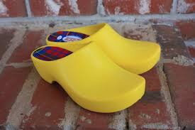 for this review i received the classic garden clogs in yellow