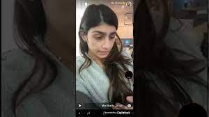 ميا خليفه+18 Mia Khalifa تتحدث عن انفجار بيروت - YouTube