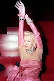 marilyn monroe 1950s fashion moments