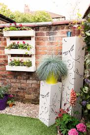 10 quick and easy ways to make your garden look great