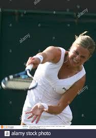 Tennis - Wimbledon - All England Lawn Tennis & Croquet Club , Wimbledon -  London - England - 30/6/06 Kim Clijsters - Belgien dient als Pflichtangabe  Kredit: Action Images / Jason O'Brien Stockfotografie - Alamy
