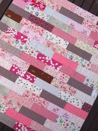 35 Easy Quilts To Make This Weekend | Jelly roll quilting, Diy ... & 35 Easy Quilts To Make This Weekend | Jelly roll quilting, Diy baby and  Sewing ideas Adamdwight.com