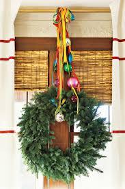 Christmas Decorating Ideas: Curtain Rod Wreath