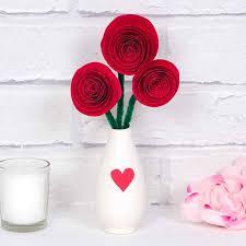 Paper Flower Bouquet In Vase Mini Rose Bouquet Free Craft Ideas Baker Ross