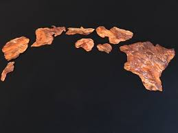 this island chain comes in a set of 8 major hawaiian islands the islands are carved with great details to make the valleyountains