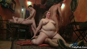 Fatty Pub Rolls Of Fat On This Horny Bar Babe Horny Chick On The.