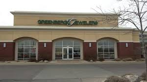 greenberg s jewelers beakon centre is located at 4829 s louise avenue in sioux falls south dakota greenberg jewelers has famous brand jewelry from