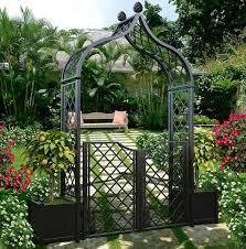 brighton garden arch with two