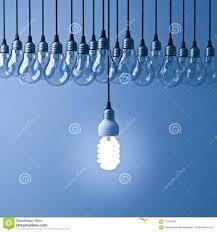 één Hangende Ecoenergie Besparings Gloeilamp Die En Van Unlit