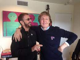 Paul McCartney bij Ringo Starr in de ...