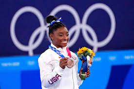 Simone Biles wins bronze medal on ...