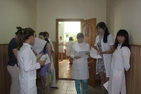 Дипломные работы защищают выпускники Альметьевского мед колледжа   образования РТ Альметьевский медицинский колледж проходит с 17 го июня по 26 е июня 2015 года в форме защиты дипломных работ в соответствии с новыми