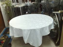 5ft round table with half white table cloth
