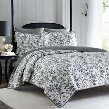 Amazon.com: Laura Ashley Amberley Quilt Set, Twin: Home & Kitchen &  Adamdwight.com