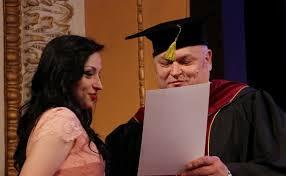 Выпускники столичного медуниверситета получили дипломы врачей  Выпускники столичного медуниверситета получили дипломы врачей