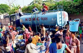 delhi faces acute water shortage as temperatures rise daily mail several areas of south delhi reeling under acute water shortages that have been aggravated by