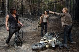 Quién Es El Misterioso Hombre Con Botas De 'the Walking Dead'?