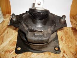 how much does it cost to replace motor mounts on a honda