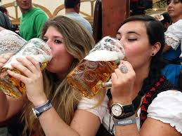 What to Expect at Oktoberfest | A First-Timers Guide - Taylor's Tracks
