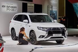 Mitsubishi Outlander PHEV Facelift Revealed at Frankfurt, Gets ...