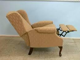 queen anne recliner chair recliners luxury lot la z boy wing back queen style recliner luxury queen anne wingback recliner chairs